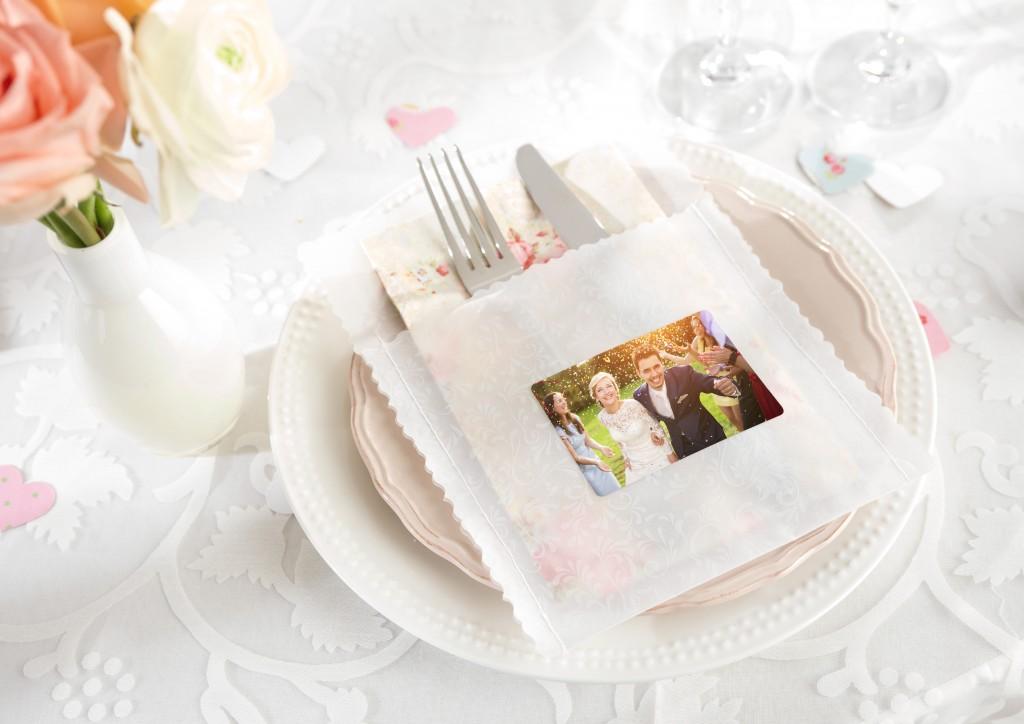 Foto nalepke s porčnim motivom za poročno kosilo