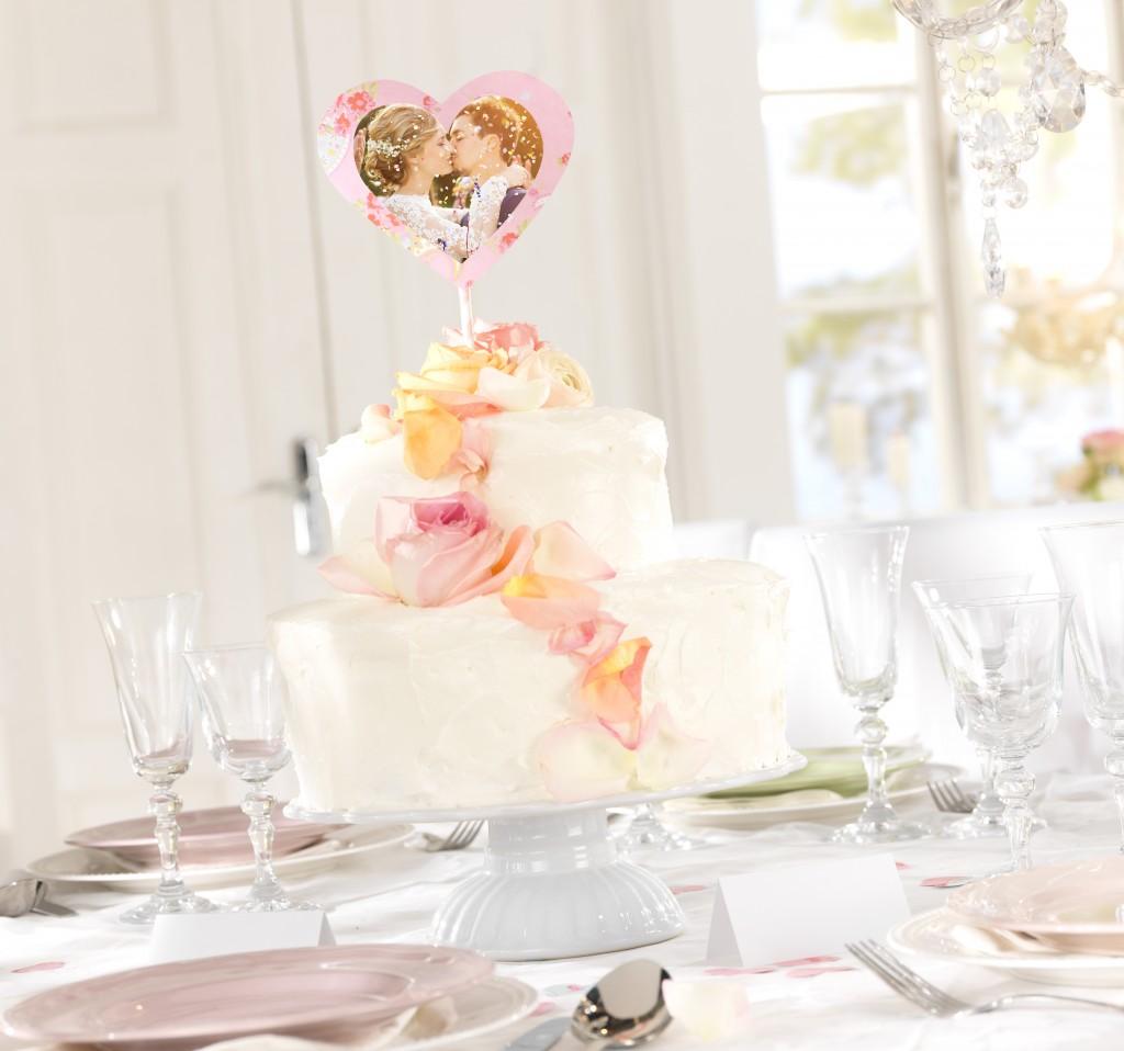 Poročna torta s fotografijo mladoporočenca