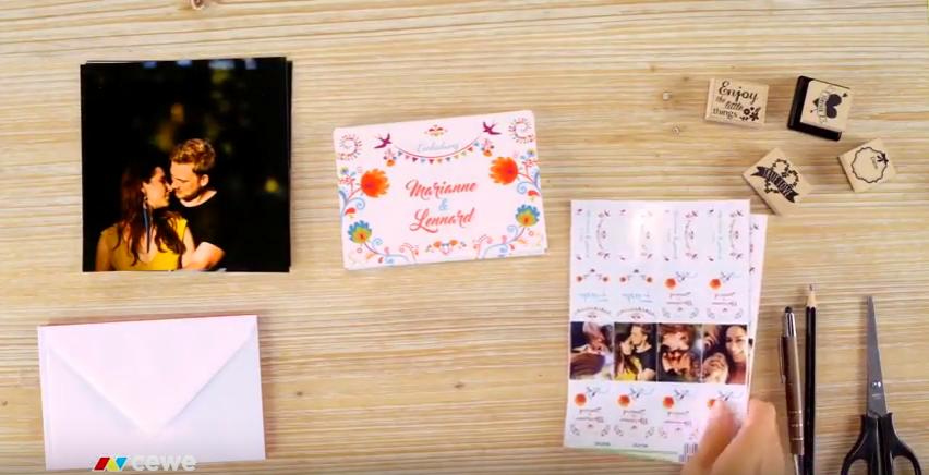 kvadratne fotografije, foto nalepke, kuverte, škarje, svinčnik, žigi
