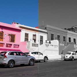 Igra z barvnimi kontrasti - polovica ulice črno-bela, polovica je barvna
