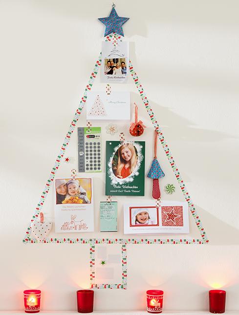 Božično drevo, sestavljeno iz voščilnic
